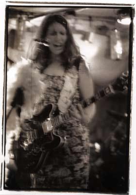 Uli Live mit Gitarre